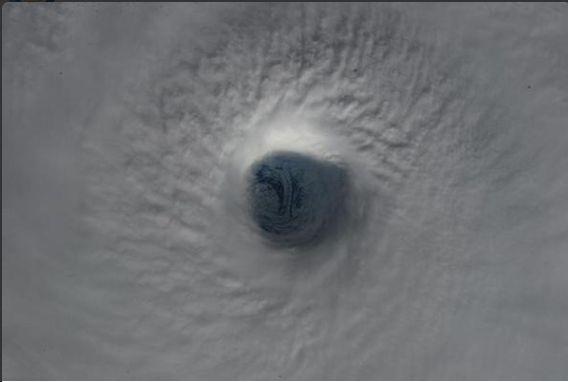 ハリケーンの目