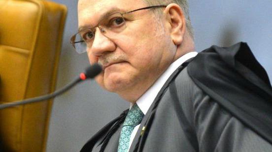 Ministro Fachin julga prejudicada petição de Lula e determina a retirada do processo de pauta