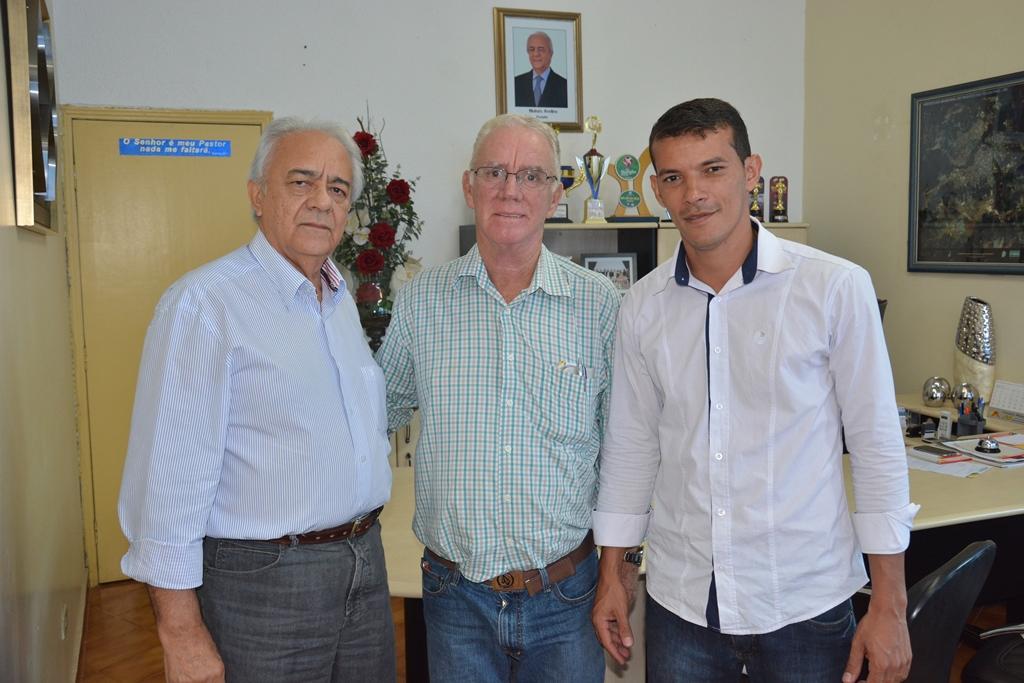 Avelino recebe visita de cortesia do prefeito Zé do Rui