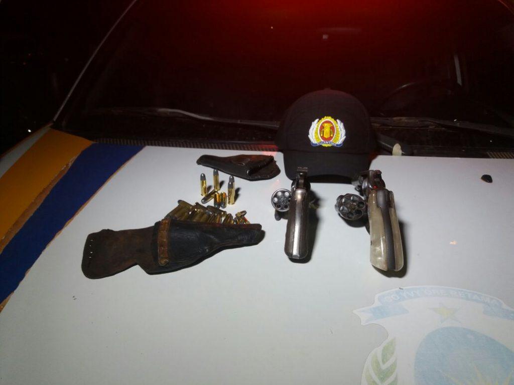PM detêm dois homens por porte ilegal de arma de fogo, ameaça e lesão corporal em Campos Lindos/TO
