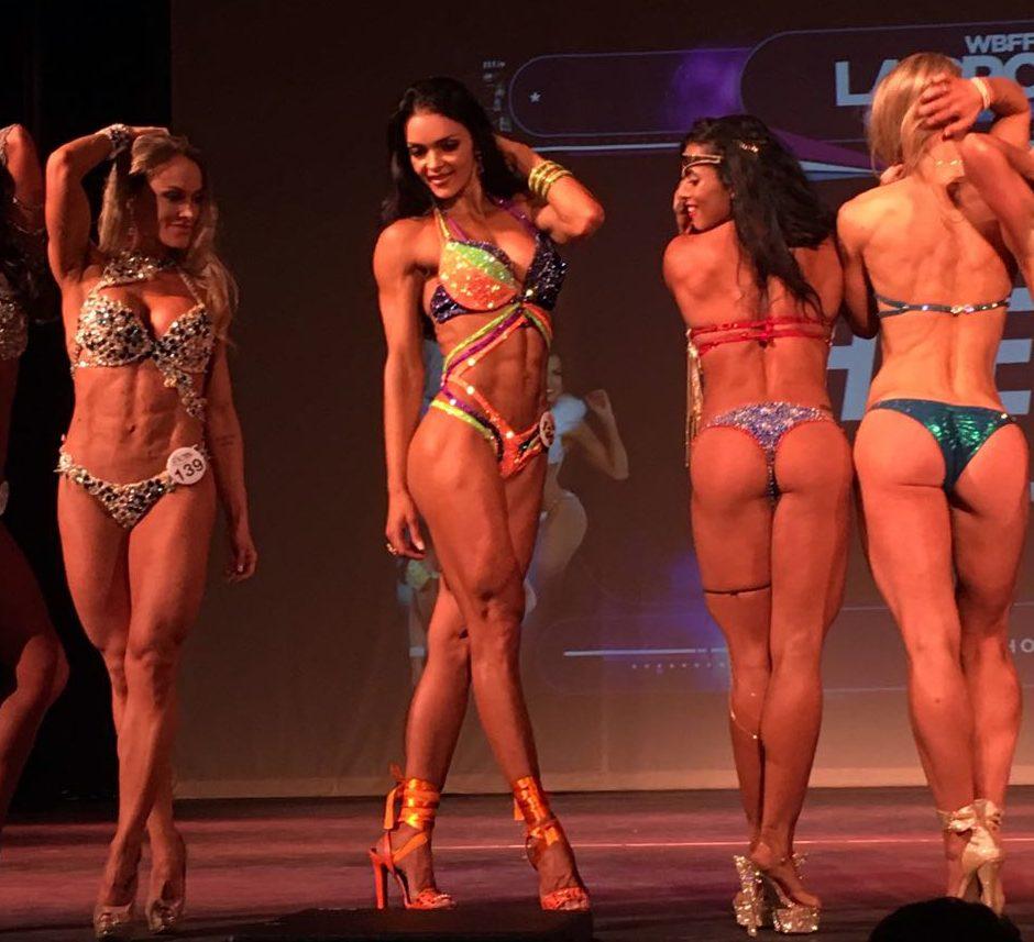 Karina Marin é top 3 no World Beauty Fitness & Fashion, em Los Angeles