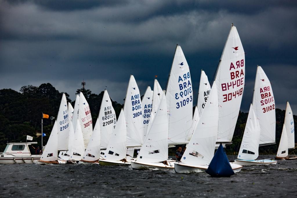 Campeonato inédito reúne 50 barcos no Yacht Club Paulista