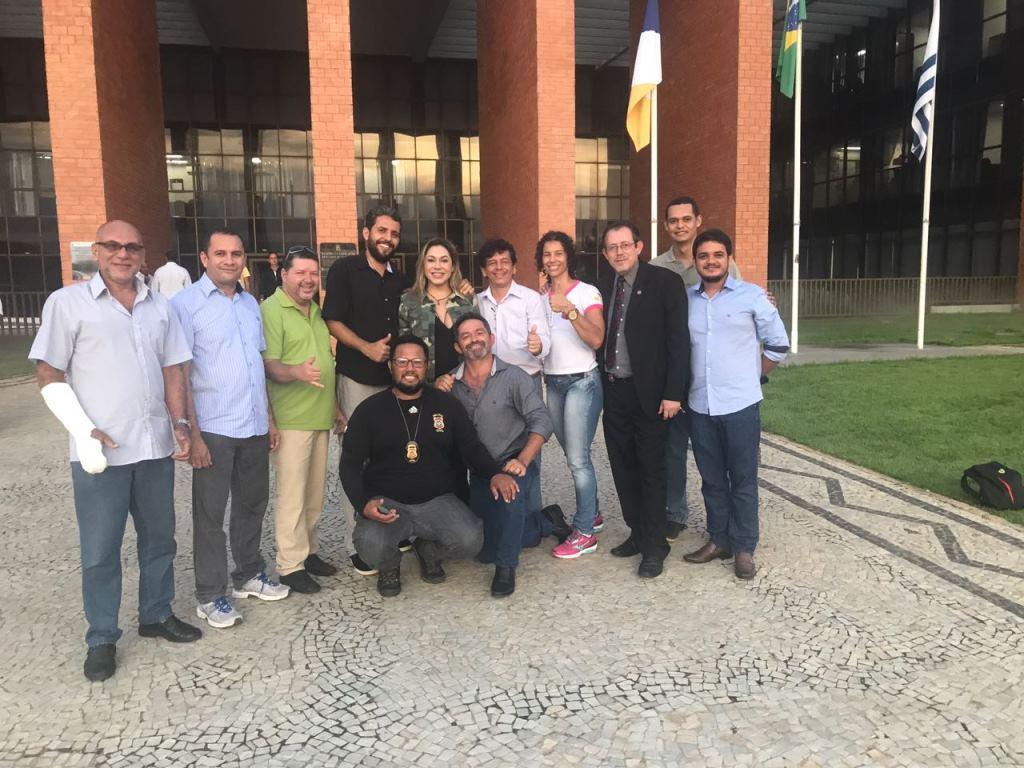 Luana Ribeiro comemora aprovação de PL 03 que beneficia policiais civis