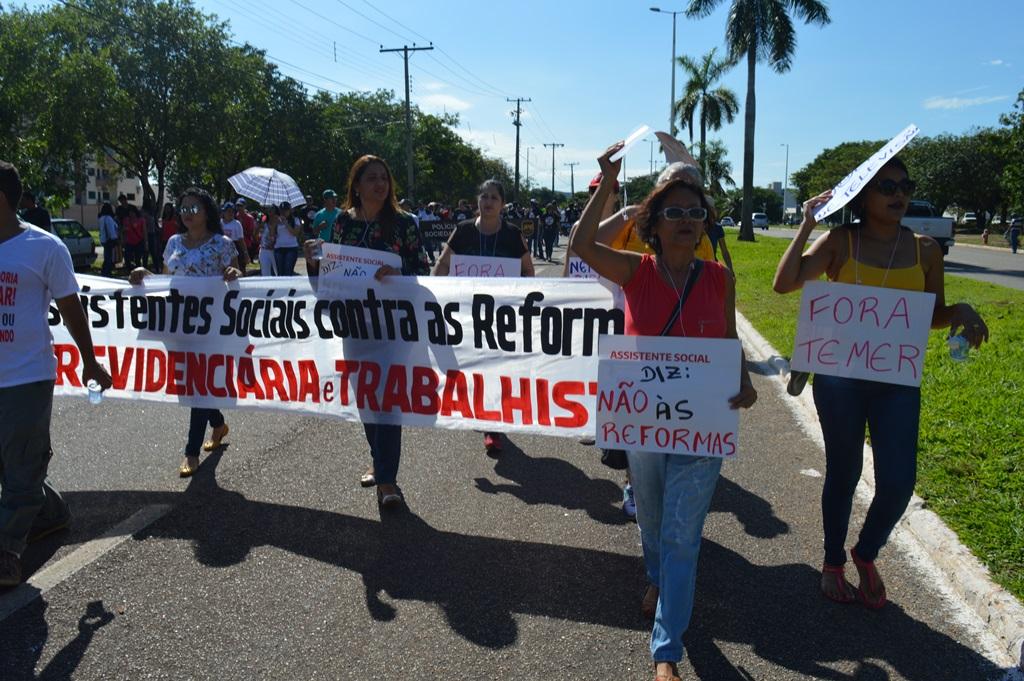 Assistentes sociais do TO vão às ruas em defesa da classe trabalhadora