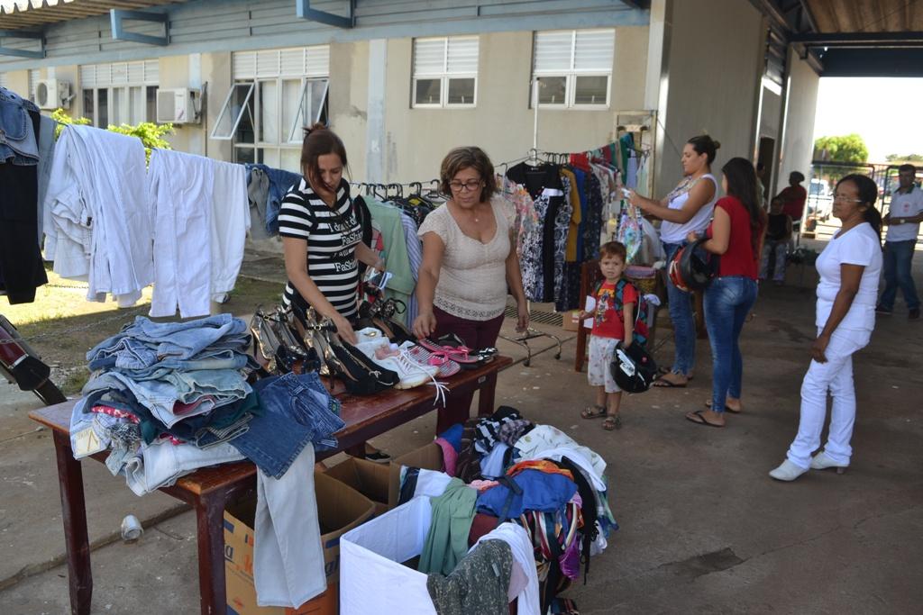 Hospital Regional de Paraíso realiza bazar beneficente