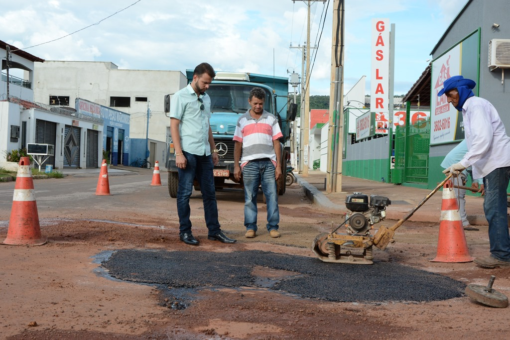 Prefeitura de Paraíso organiza mutirão de limpeza nos bairros
