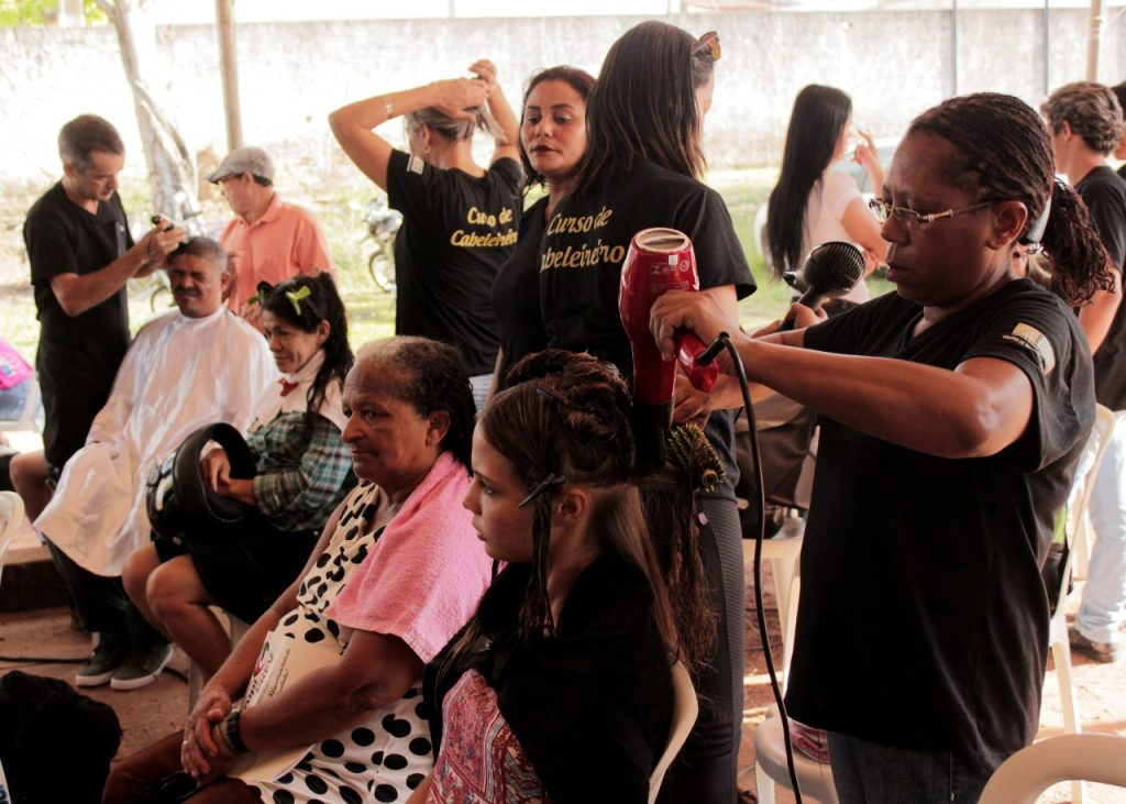 GurupiPrev realiza manhã de ações sociais para beneficiários