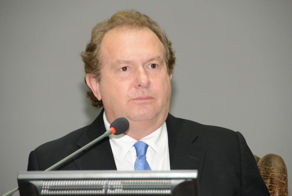 Carlesse solicita mutirões de consultas e exames em três hospitais do Estado