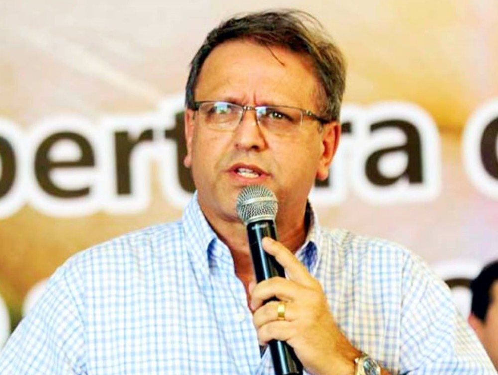 Governador do Tocantins passa por procedimento e se recupera em hospital de SP