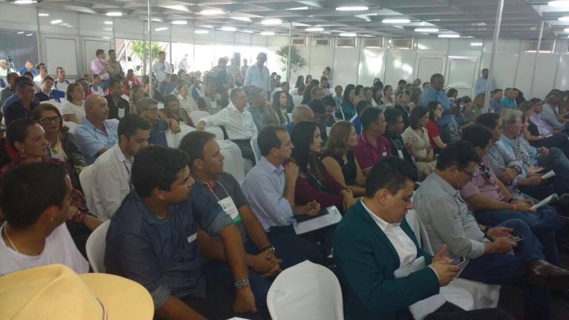 Prefeito Carlinho participa do Fórum de Desenvolvimento Econômico do Tocantins, realizado no município de Guaraí