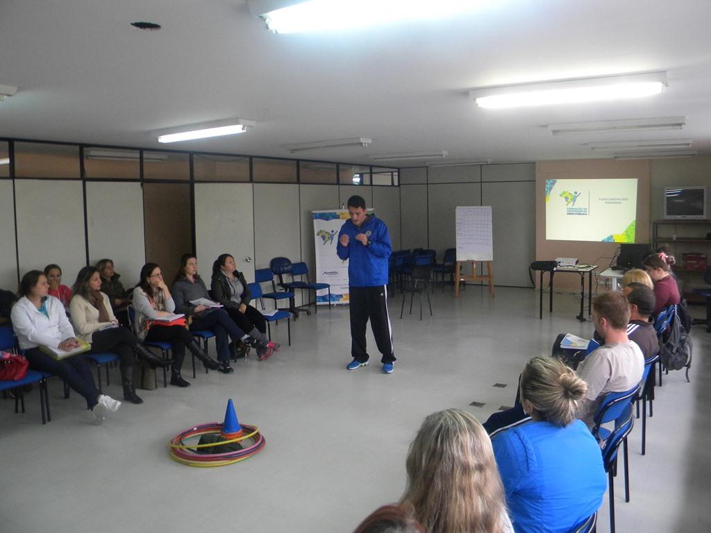 Projeto de esporte educacional do IEE, de Ana Moser, chega a professores de Sorriso (MT)