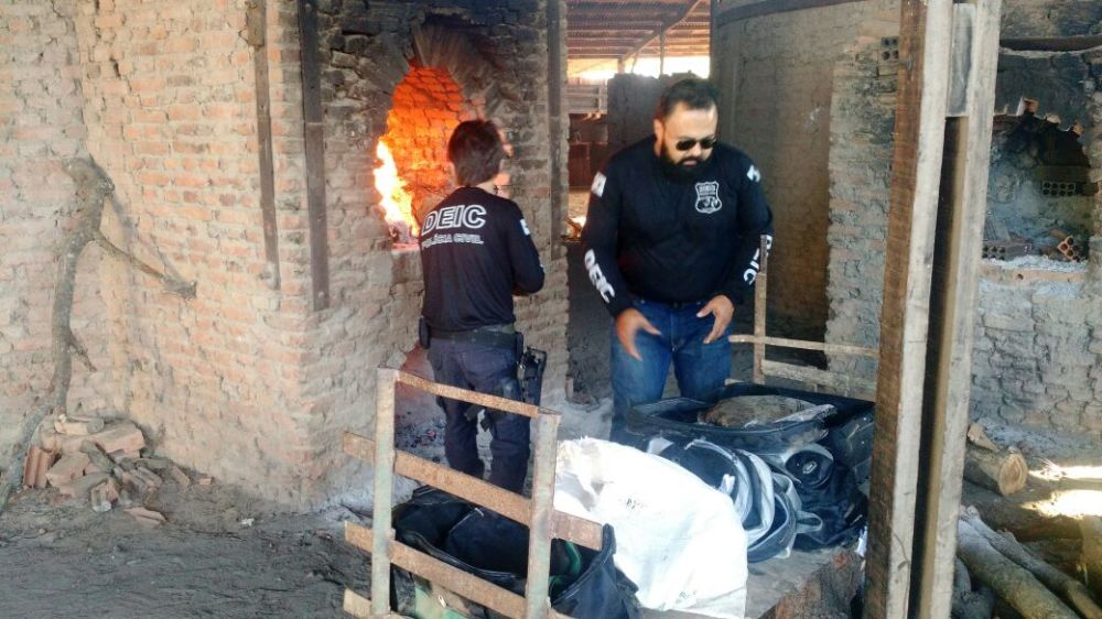 Polícia Civil incinera mais de 400 kg de drogas aprendidas em operações policiais