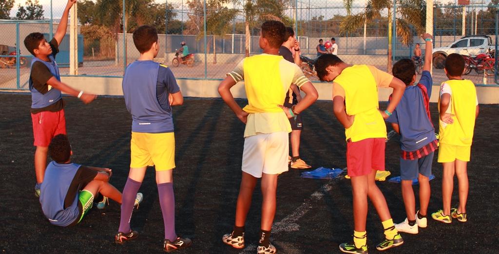 R9 promove tarde de futebol no Parque Cesamar