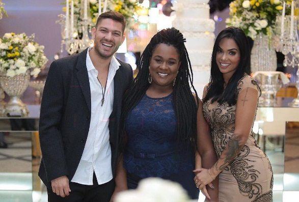 """Luiz Felipe Bari, do """"BBB 17"""" é padrinho novamente no casamento de Elis Nair"""