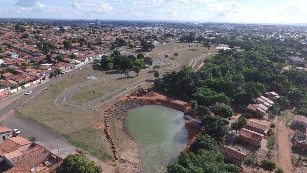 Lixo que vira obra: Lago do Cimba terá cachoeira e paisagismo com pneus reciclados