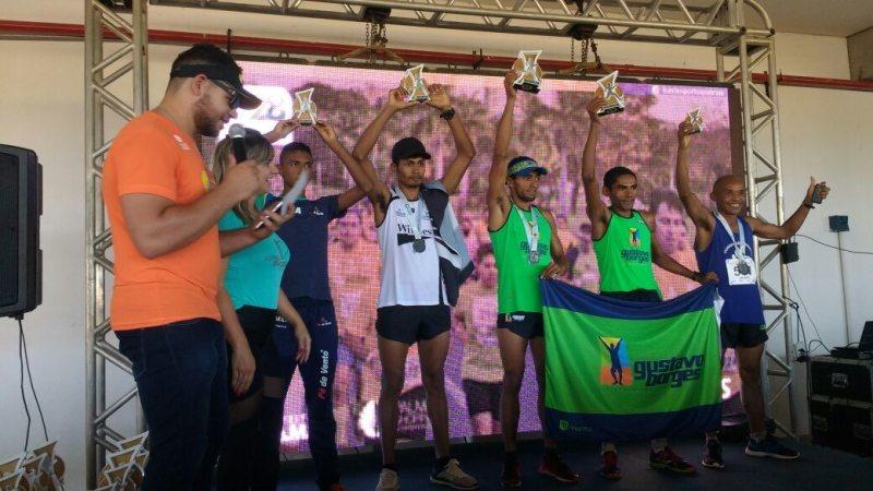 Vagno Silva e Cláudia Resende vencem a Corrida de Aniversário de Palmas
