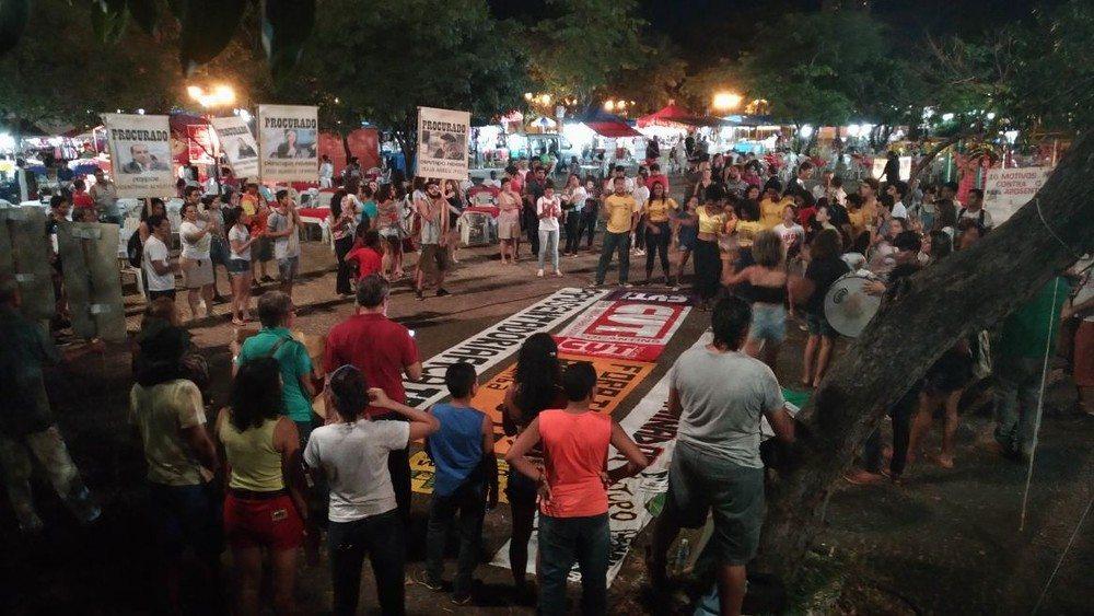 Grupos fazem manifestações contra o governo de Michel Temer em Palmas