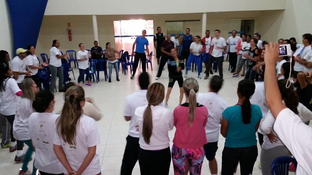 Professores de Sorriso (MT) são capacitados em esporte educacional por projeto do IEE, de Ana Moser