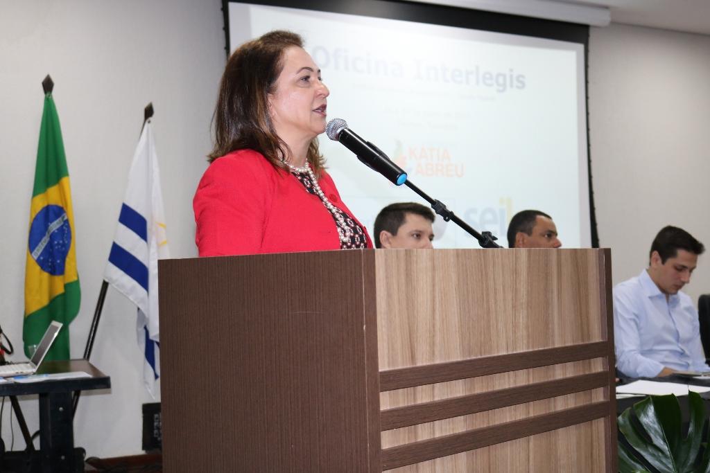 Em evento sobre a modernização de Poderes Legislativo, Kátia Abreu destaca informatização do Mapa em 100 dias