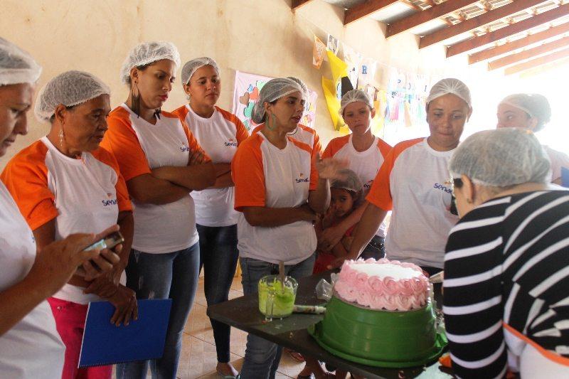 Parceria entre Secretaria de Assistência Social e Senac proporciona curso de bolos e tortas