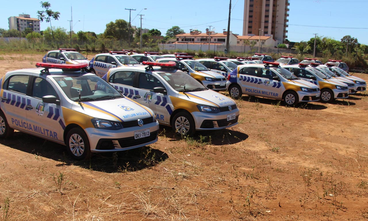 Governador entrega viaturas à Polícia Militar e inaugura obras de pavimentação em Araguaína