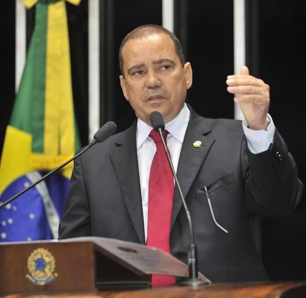 Senador Vicentinho Alves apresenta requerimento para a realização de sessão especial em homenagem aos 75 anos do Banco da Amazônia