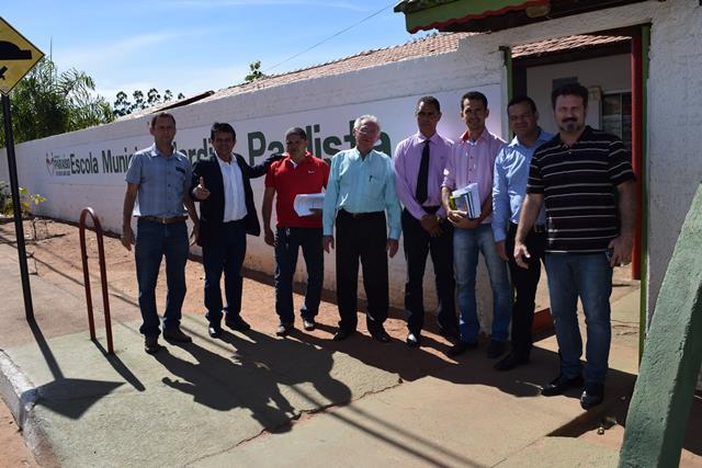 Comissão realiza visitas em locais que poderão receber provas do concurso público da Câmara Municipal de Paraíso