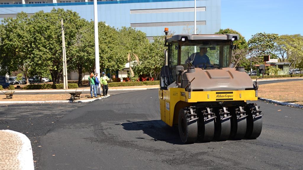 Prefeitura inicia recuperação asfáltica da Avenida NS-01