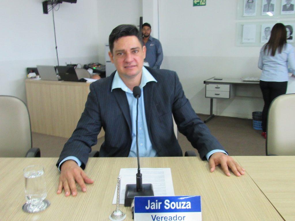 Jair Souza quer informações sobre as obras do Centro Universitário Unirg