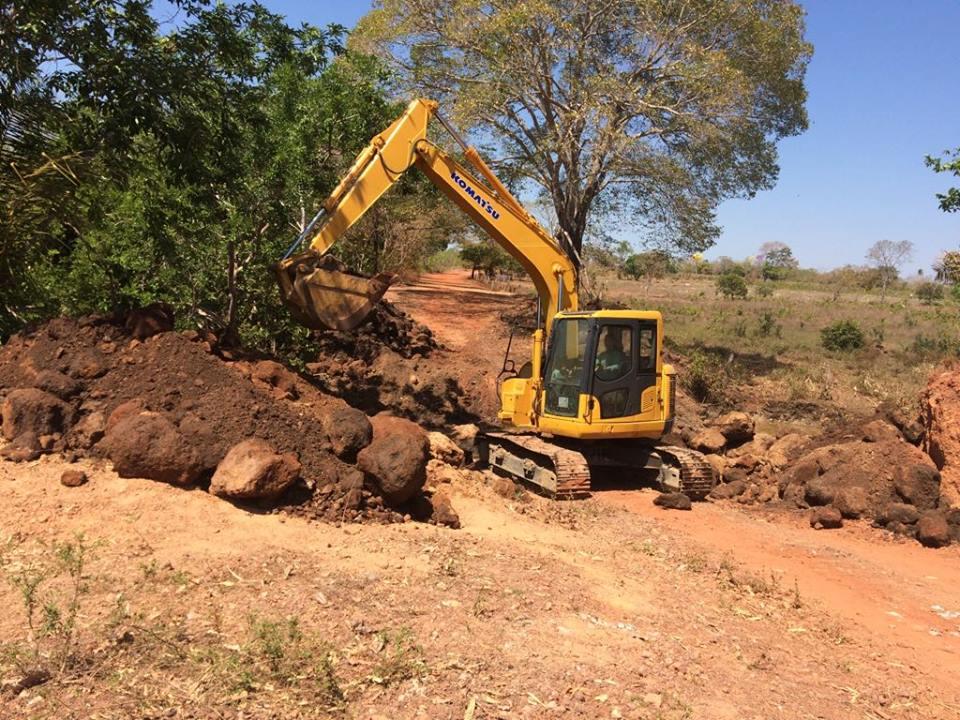 Prefeitura de Nova Rosalândia atende pedido de moradores e inicia construção de galeria no rio Mangues