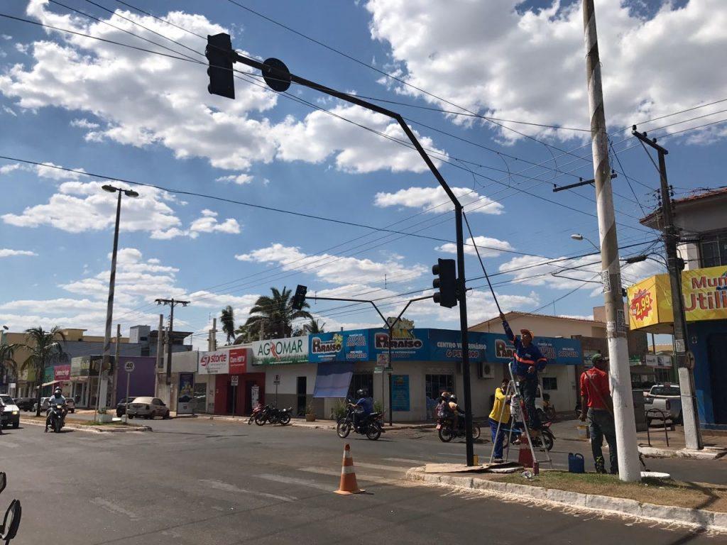 Prefeitura intensifica manutenção de iluminação pública em Paraíso