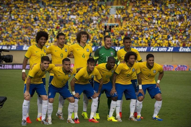 Seleção brasileira volta ao topo do ranking da Fifa; Tite anuncia convocação