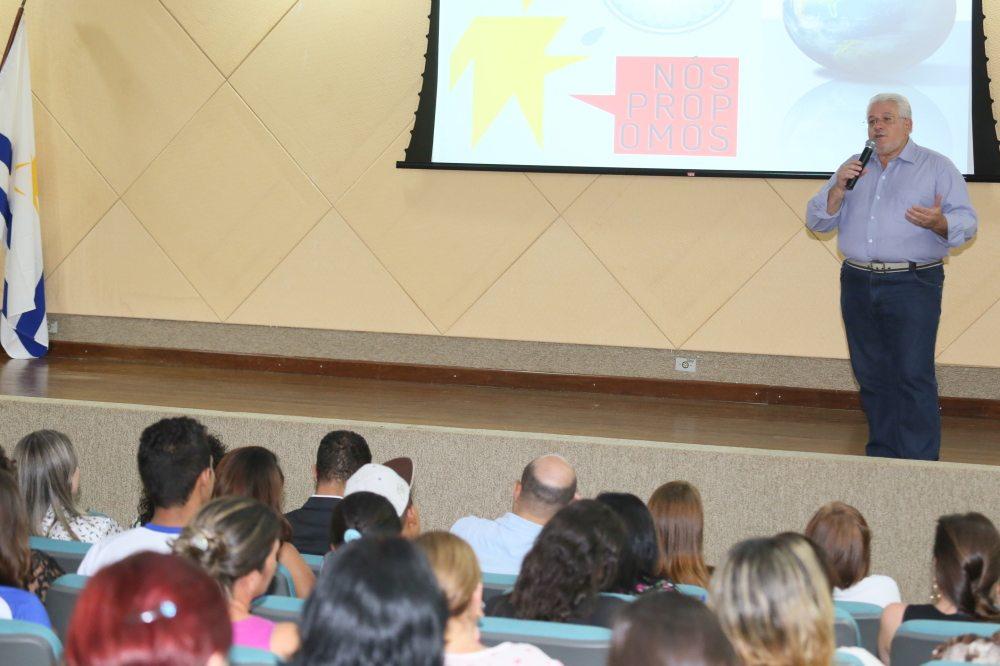 Estudantes do ensino médio participam da Fenepalmas com ações do projeto Nós Propomos