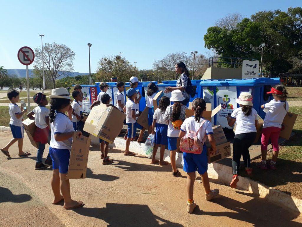 Alunos da Escola Antônio Gonçalves realizam atividade de práticas sustentáveis no Parque Cesamar