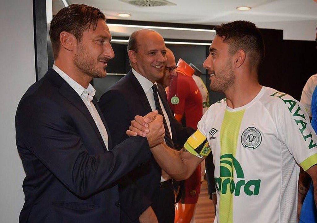 Alan Ruschel marca e Chapecoense é goleada pela Roma