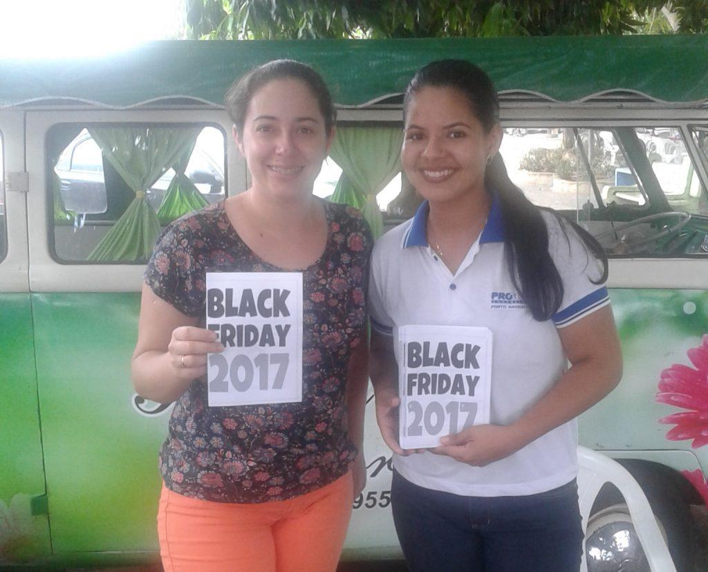 O núcleo do Procon de Porto Nacional realiza panfletagem na semana da Black Fiday