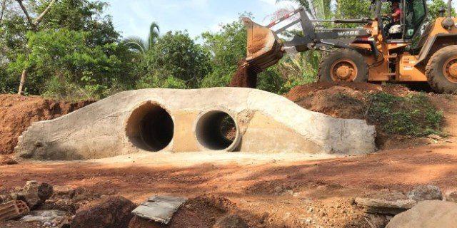 Prefeitura de Miranorte entrega bueiro no córrego Limão