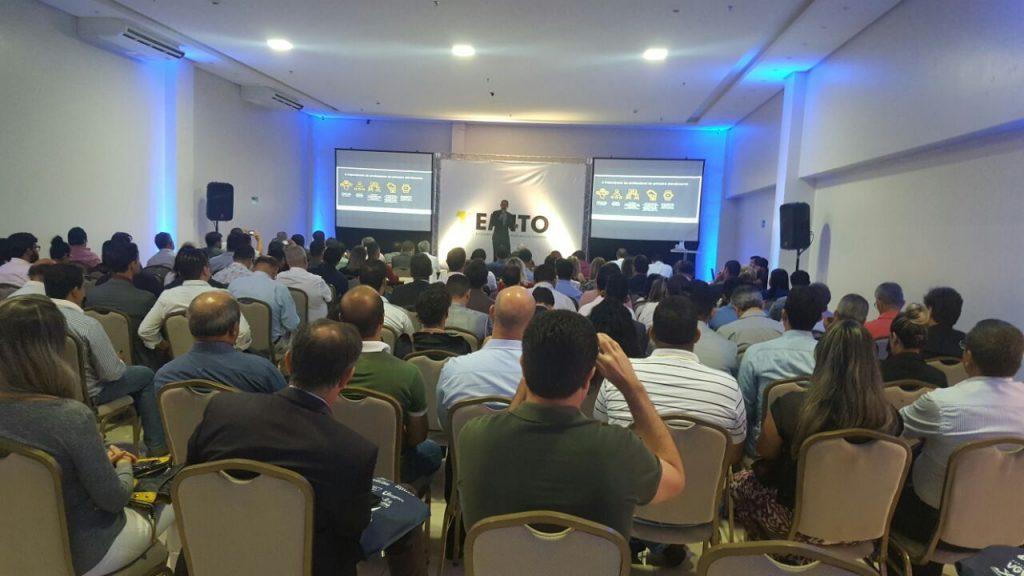 Corretores e empresários participam do 1º Encontro do Mercado Imobiliário do Tocantins; evento segue até o final do dia de hoje