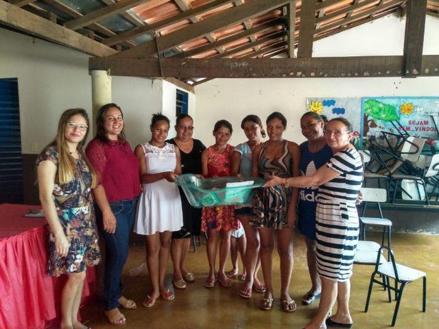 Prefeitura de Chapada de Areia realiza entrega de Kits de enxoval para as gestantes