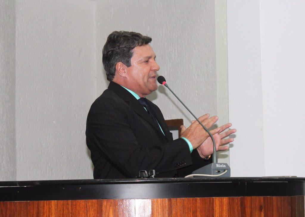 Damaso critica proposta de transposição do Rio Tocantins e alerta sobre falta de merenda escolar