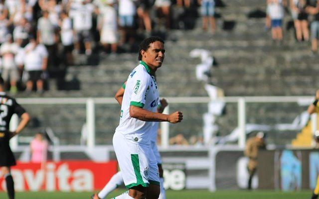Paciência, mesmo estilo de jogo e caldeirão: capitão Rafael Lima não quer deixar escapar o título da Série B
