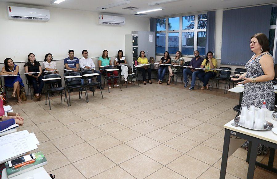 Servidores de Palmas e de Paraíso em curso para melhor atender os Assistidos da Defensoria