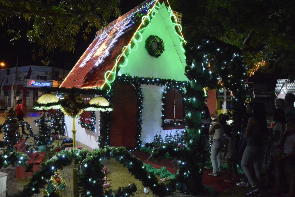Vila de Natal inicia nesta sexta com a chegada do Papai Noel em Araguaína