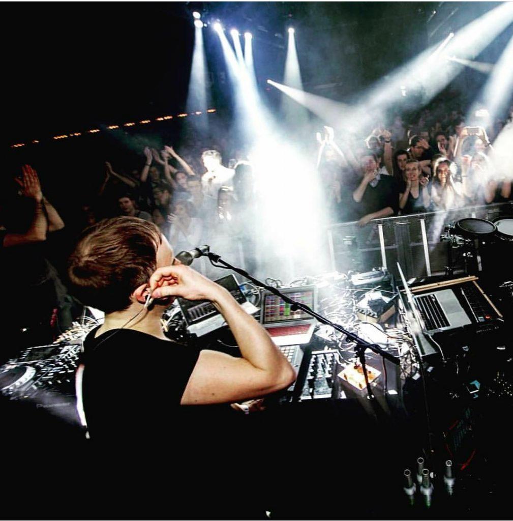 No embalo de Alok, DJ Manuthy se prepara para turnê internacional