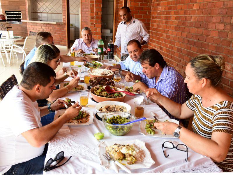 Durante almoço em Porto Nacional, Vicentinho e Fabion Falam Sobre Candidatura de Ronaldo Dimas ao Governo do Estado