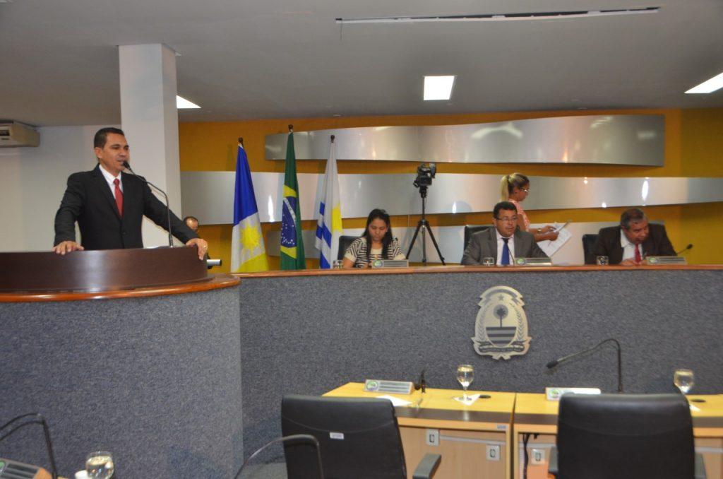 Claudemir Portugal toma posse na Câmara de Palmas