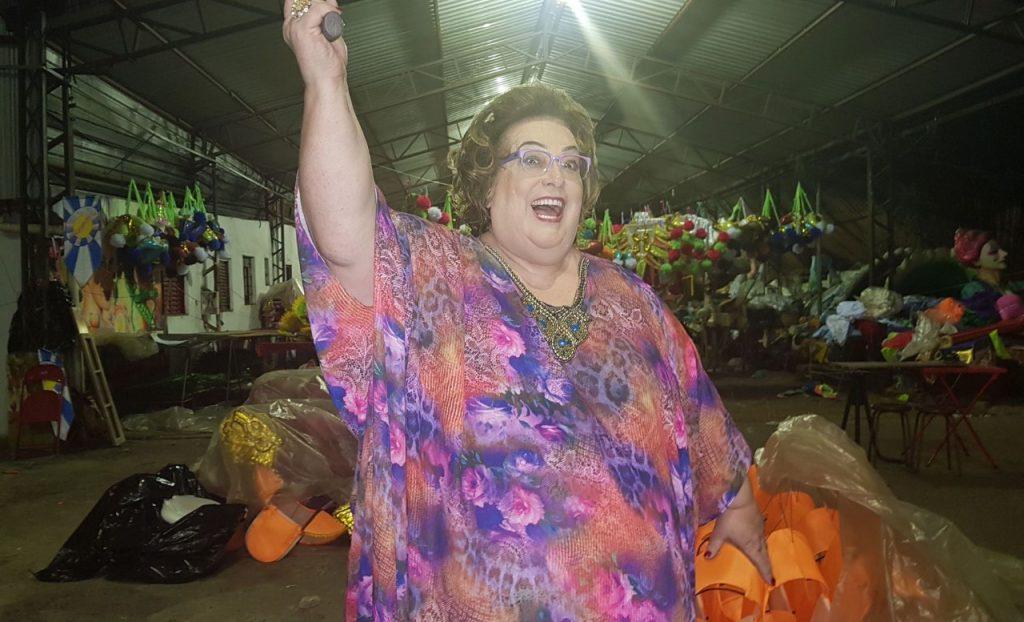 Mamma Bruschetta alinha detalhes de sua participação em escola de samba de SP