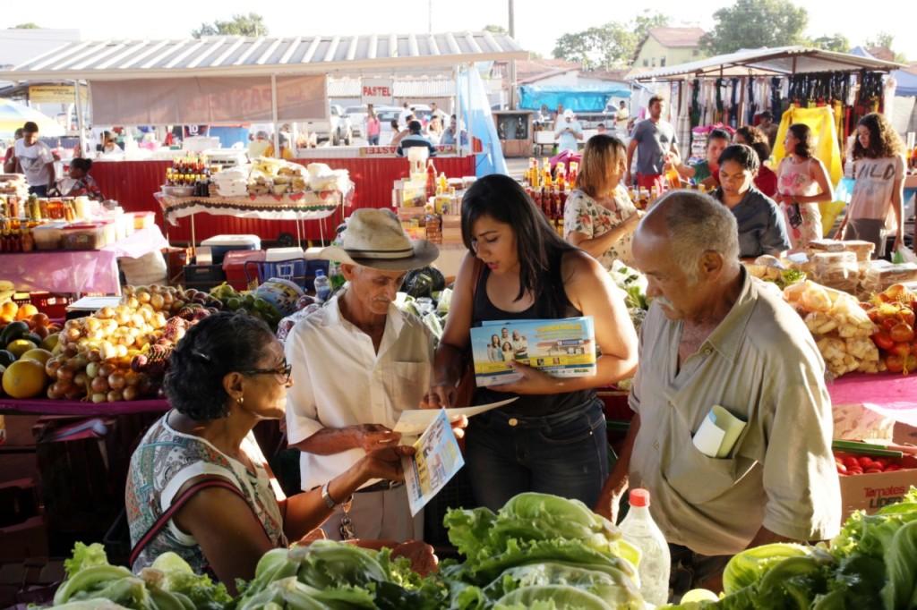 Saúde leva informações sobre hanseníase nas feiras de Palmas