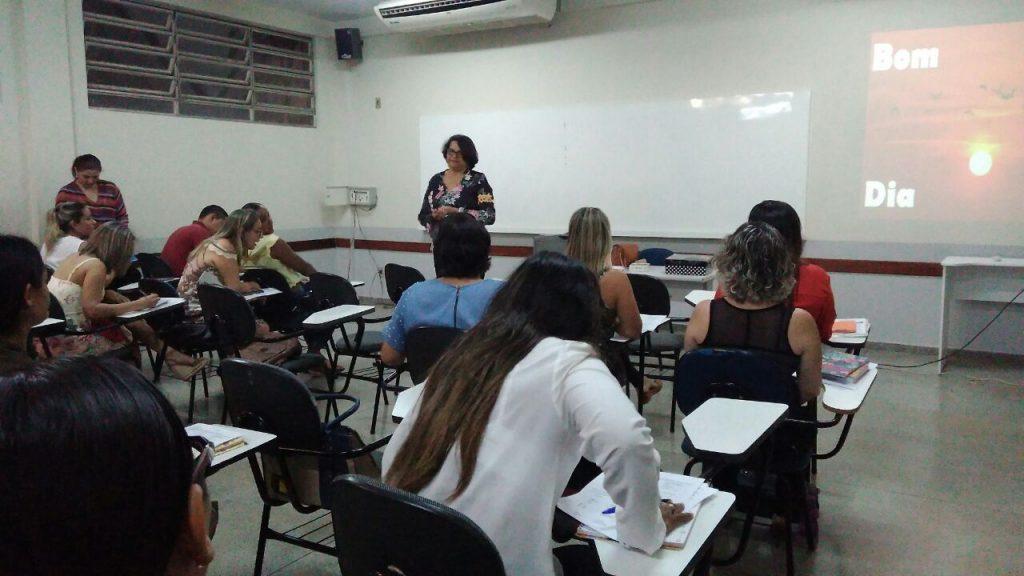 Profissionais da educação de Porto participam do curso de formação continuada