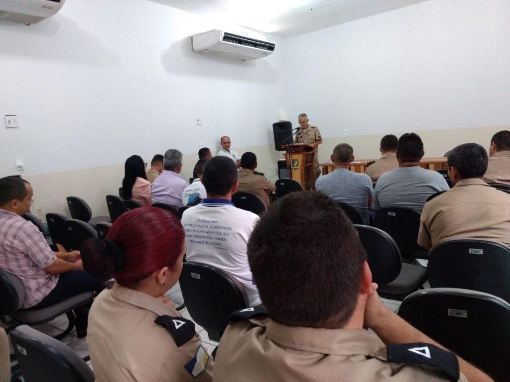 """2º Batalhão de Polícia Militar retoma cerimônias religiosas semanais instituindo o """"Momento com Deus"""" em Araguaína"""